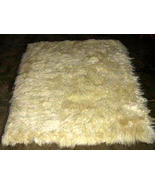 Soft white baby alpaca fur carpet from Peru, 80 x 60 cm/ 2'62 x 1'97 ft - $182.00