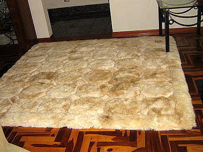 Beige Alpaca fur rug from Peru, carpet of  80 x 60 cm