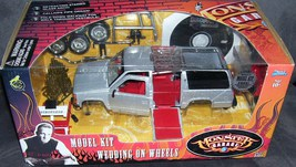 Monster Garage WEDDING ON WHEELS Diecast Model Kit NEW! 1:24 SCALE w/DVD - $39.96