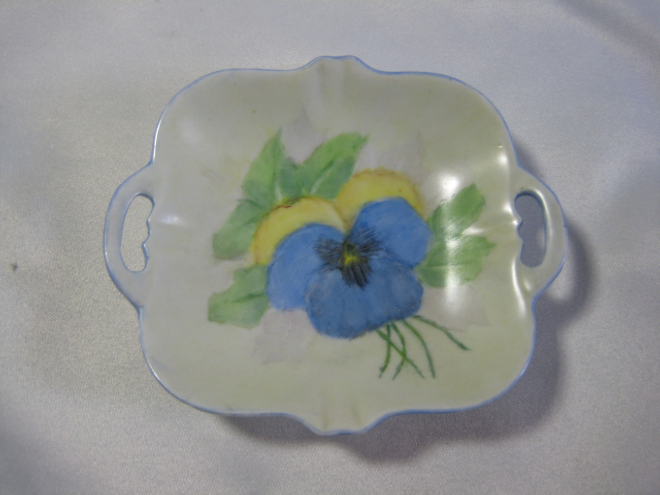 Pretty double handled handpainted trinket  dish