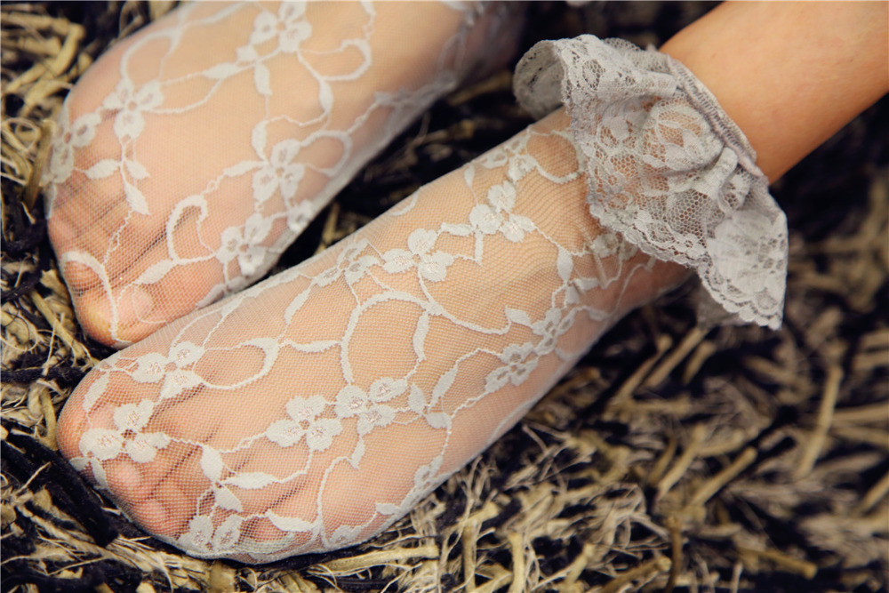 Retro Flower Women Lace Socks Fashion Ladies Socks Black Lace Ruffle Short Ankle