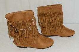 Styluxe Scream Tan Suede Girls 13 Fringe Boots With Chain Plus 3 Charms image 3