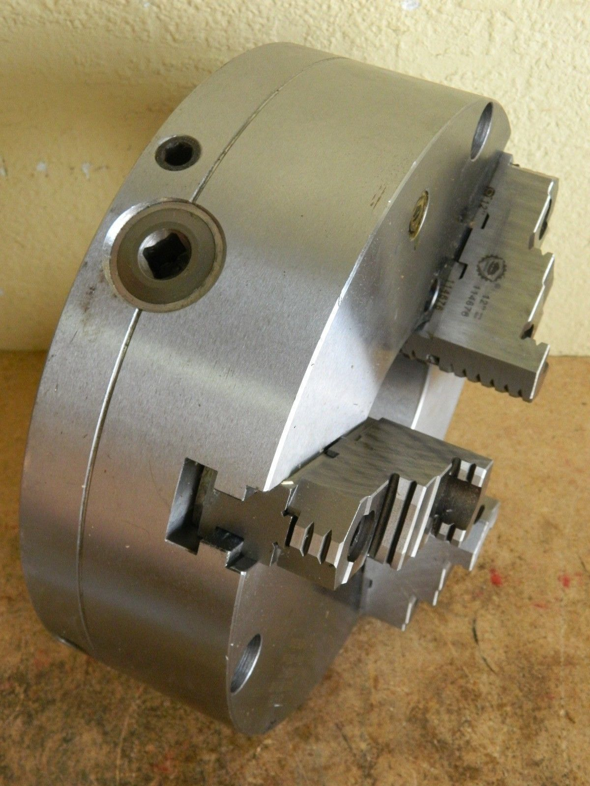 """Bison 3-Jaw Self Centering Lathe Chuck 12"""" Diam. Front ..."""