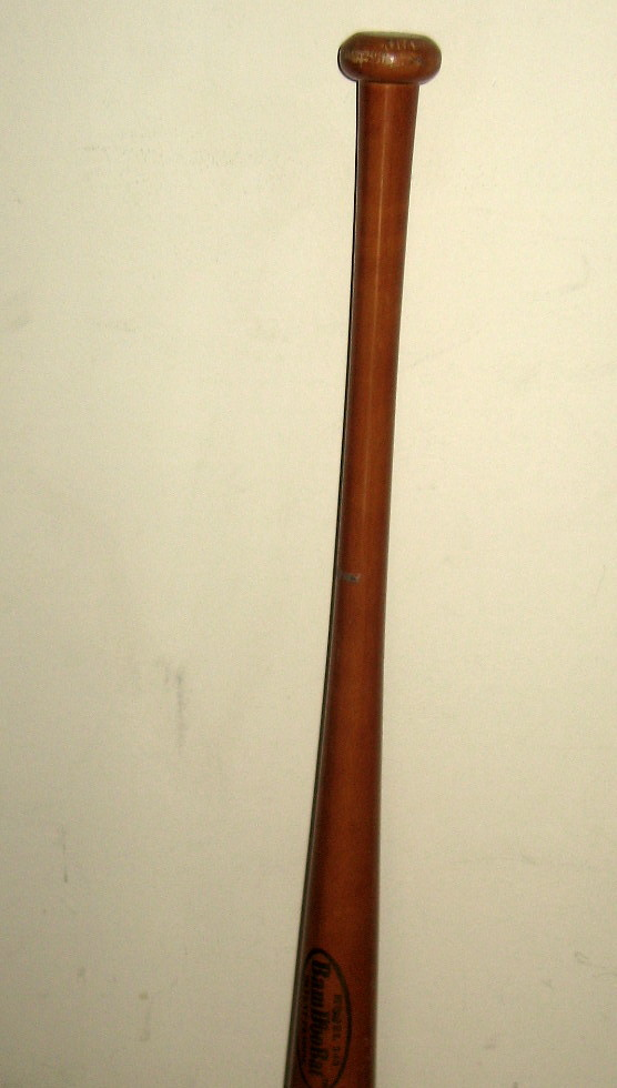 "GORGEOUS GOLDEN BROWN HIGH-GLOSS FINISH 34"" PROFESSIONAL MODEL 243 BAMBOO BAT"