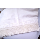 Lovely Soft Vintage Linen Table Runner With a Delicate Hand Crocheted Ed... - $14.99