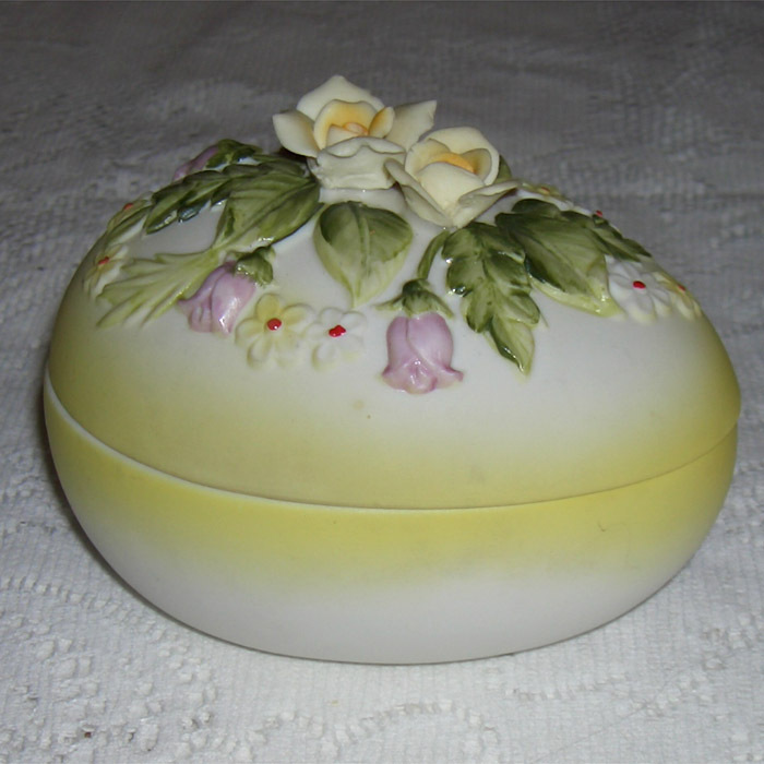Lefton China Easter Egg covered Dish.  In time for the seaso