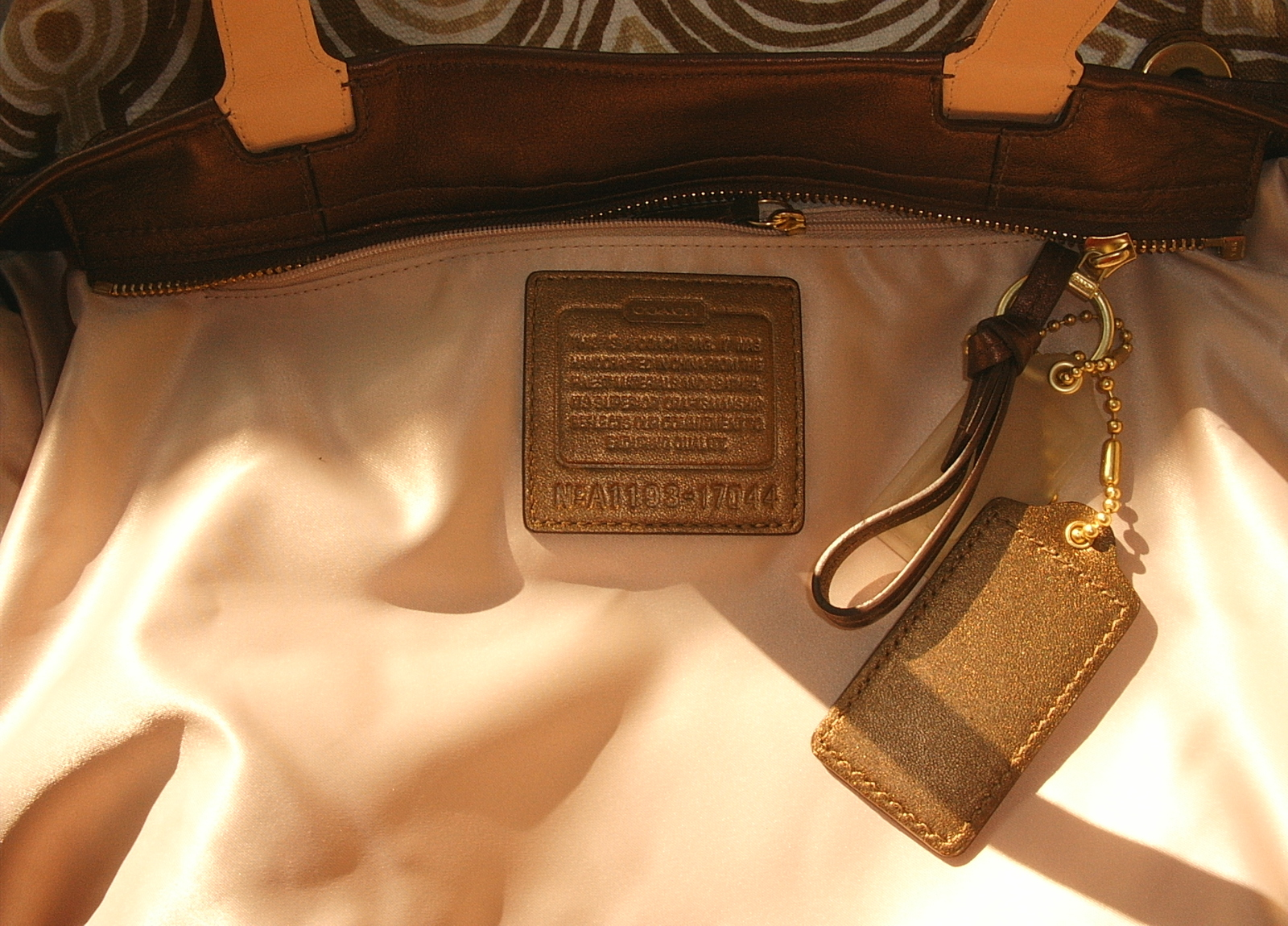 NWT COACH BROWN SWIRLTOTE 17044/WRITSLET F45531/COIN PURSE image 4
