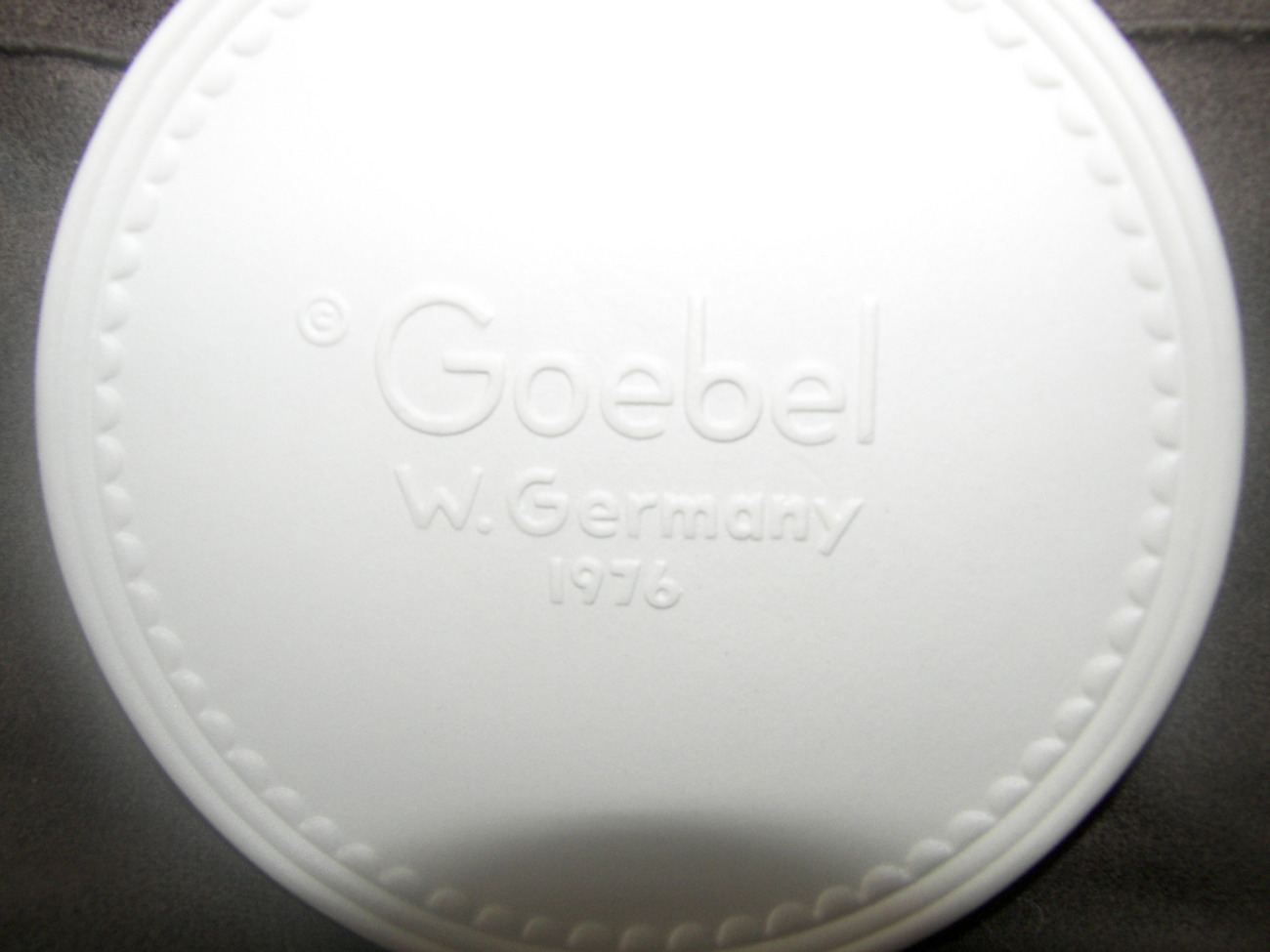 Vintage 1976 Goebel Collector's Club Member's Plate
