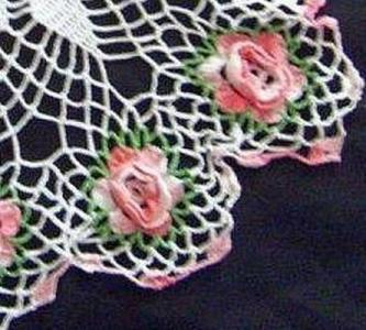 Pretty Vintage Raised Roses Doily  With Star Center