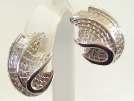 Crown TRIFARI Brushed SILVER Plate Huggie Clip Earrings Shiny Swirl Vint... - $19.79