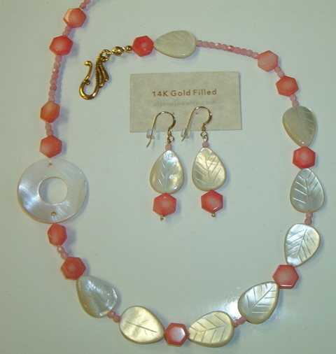 Mother of Pearl shells, Necklace set, Seashore Rapsody #7-10M4848, Free Ship