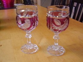 Hofbauer Red Byrd Wine Glasses image 1