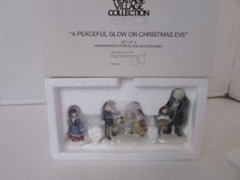 Dept 56 58300 A Peaceful Glow On Christmas Eve Set Of 3 Figures D3 - $17.59