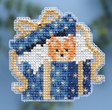Cat In Box Winter Holiday 2014 Seasonal ornament pin kit cross stitch Mi... - $6.30