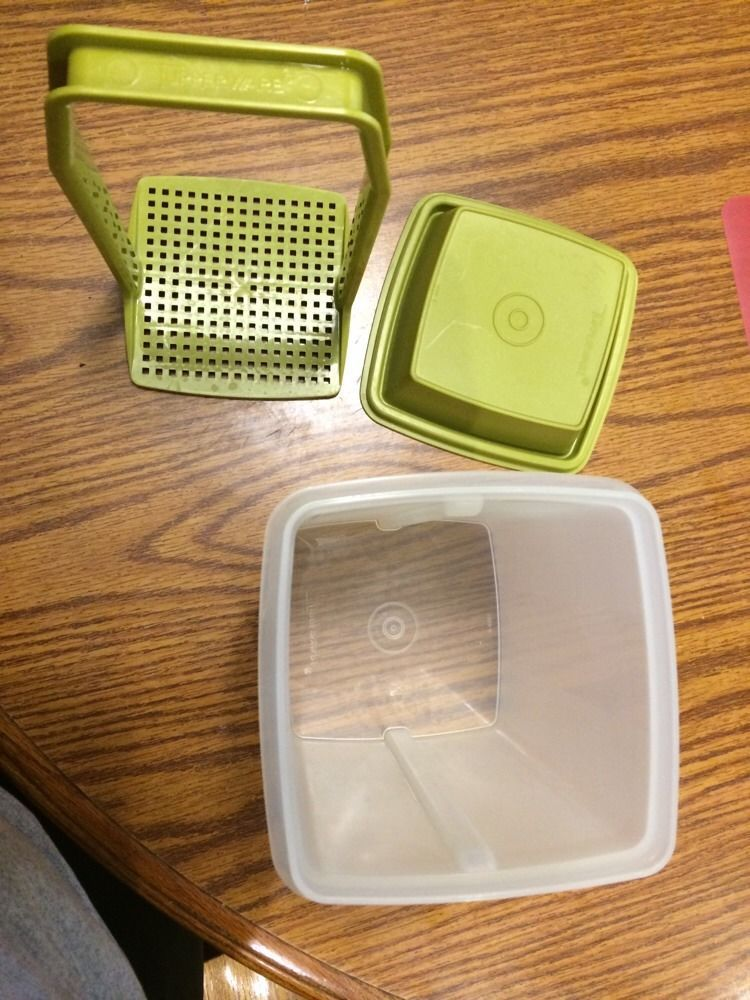 Tupperware Large Pickle/Olive Keeper Olive Green/Clear 3pc