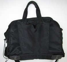 Black Kensington Cross Body Messenger Style Computer Carrying Case Laptop Bag - $32.41