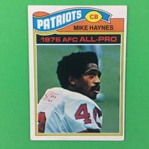 Mike Haynes 1977 Topps Rookie Card #50 NFL HOF New England Patriots - $4.90