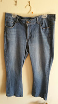 Petite Boot Cut Riders By Lee Jeans, Mid-RIse Med wash Size 18 image 1