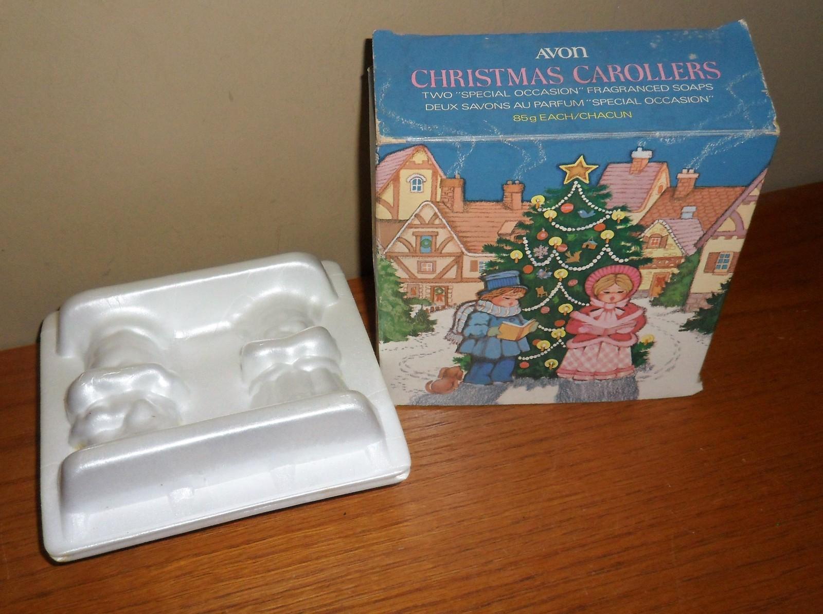 Vintage Avon  2 Fragrance CHRISTMAS CAROLLERS Soap BARS in Original BOX