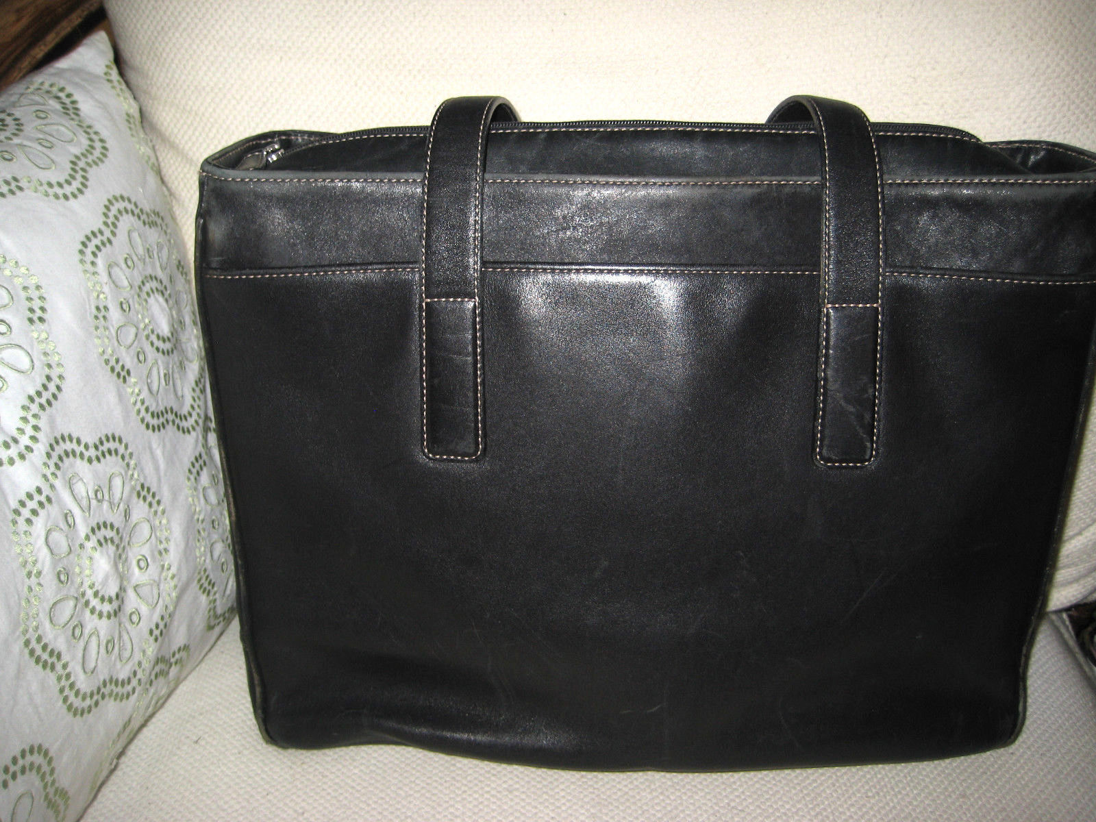0ec55fb9c8a5 AUTH Coach Hamptons Padded Laptop Business and 17 similar items