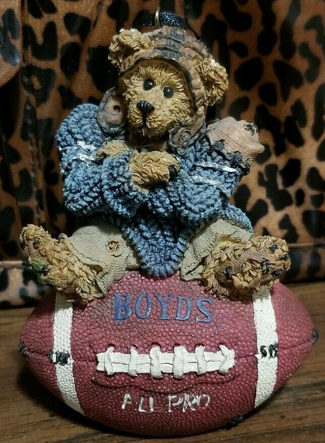 Boyds Bears and Friends 1998 All Pro Football Ornament #25705V 16E/2949