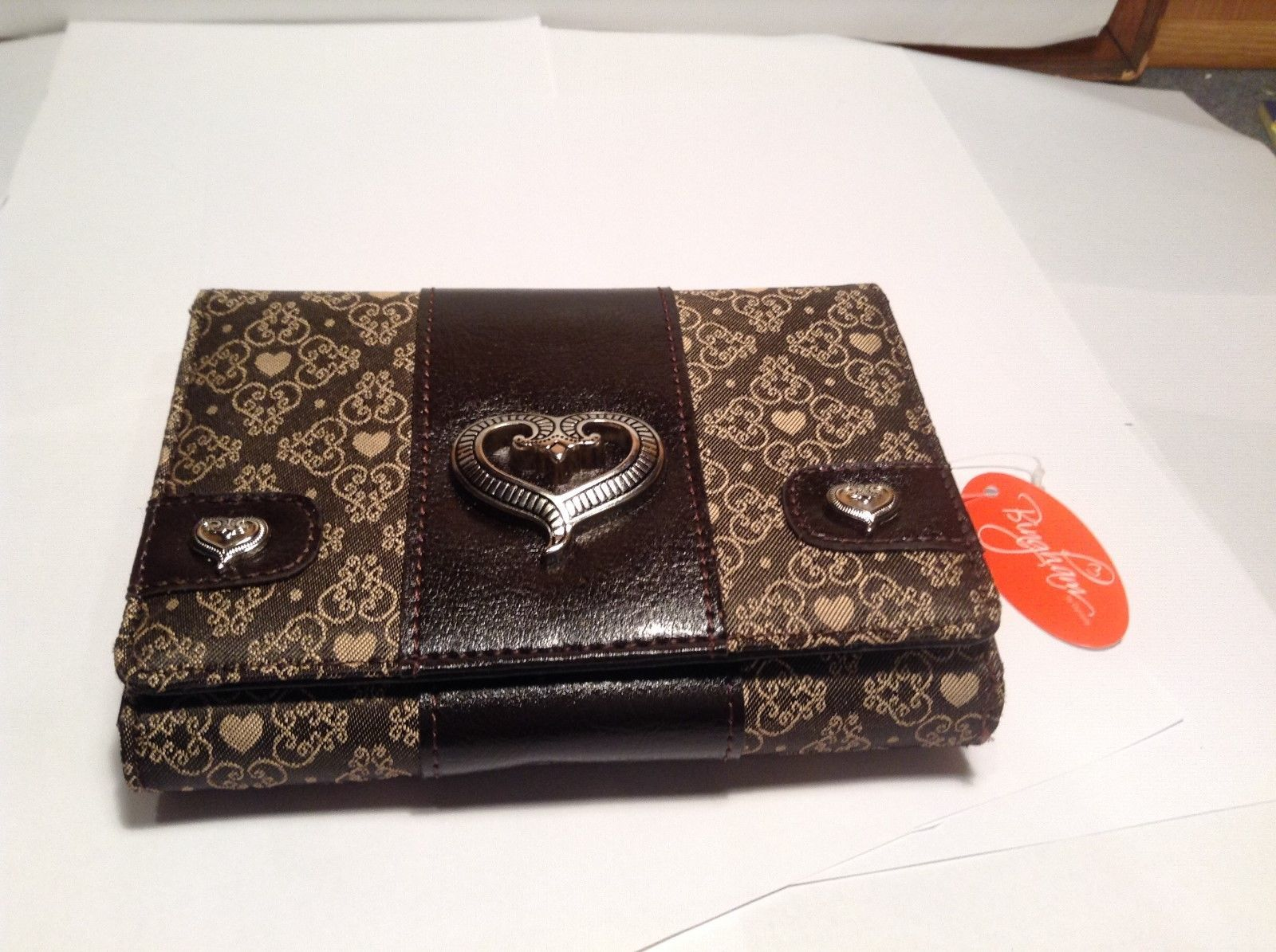 NEW Bingham by Dynasty Dark Brown w Gold Hearts Wallet
