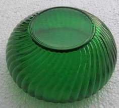 Vintage Emerald Green Color Anchor Hocking Swirled Pressed Glass Designe... - $27.99