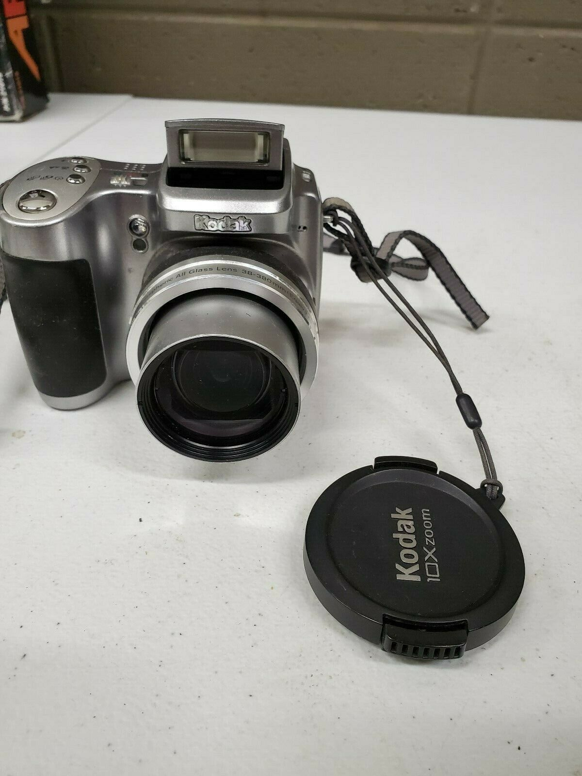 Primary image for Kodak EasyShare Z740 5.0MP Digital Camera - Silver