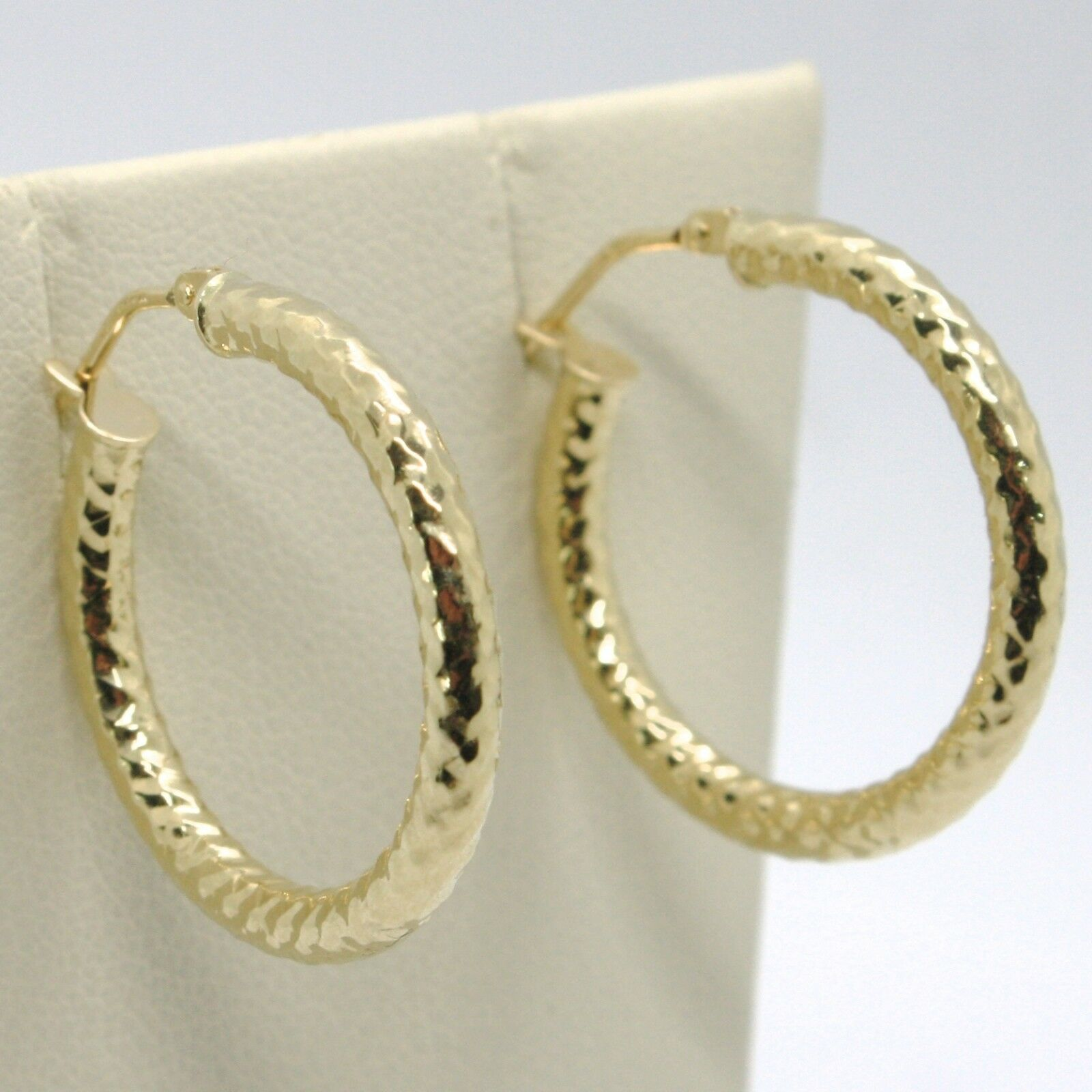18K YELLOW GOLD CIRCLE HOOPS TUBE TWISTED HAMMERED EARRINGS 25 MM, MADE IN ITALY