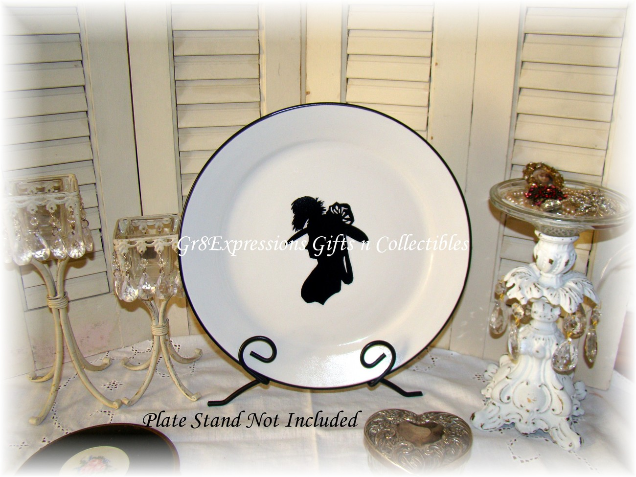 Plate with vic lady silhouette