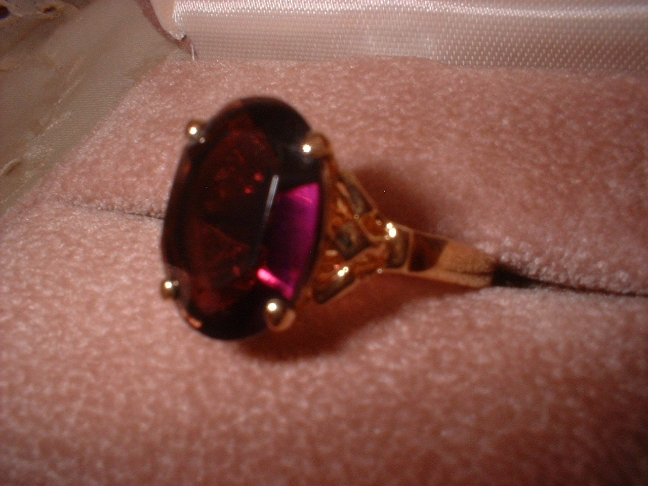 Pam amethyst oval ring