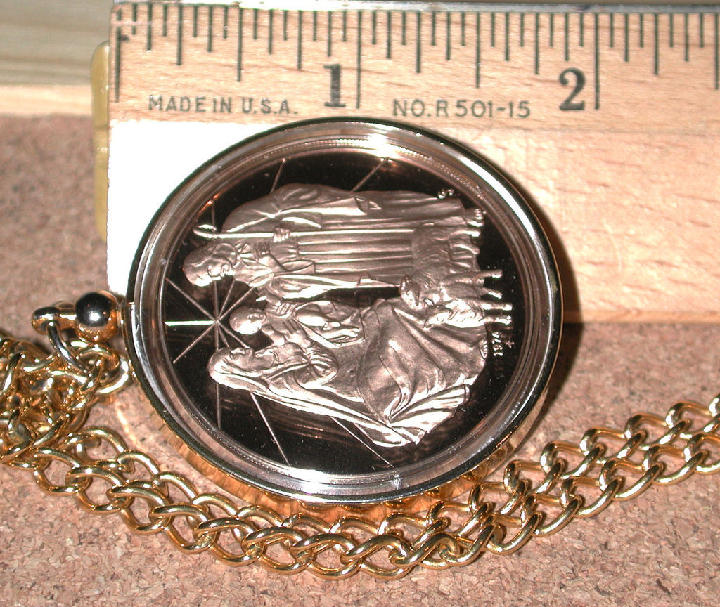 Vintage Franklin Mint Bronze Christmas 1974 Medal Necklace Holy Family
