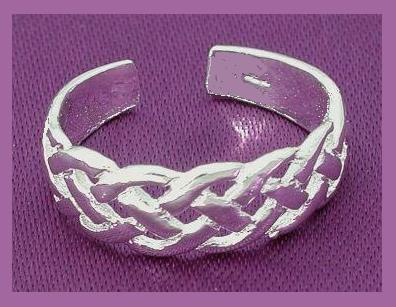 Toe ring ss celtic knot