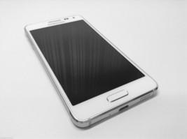 Samsung Galaxy Alpha SM-G850 - 32GB - Frost White Factory Unlocked Smartphone image 2