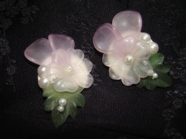 Vintage Lucite Pink and Green Flowers Clip On Earrings - $30.00