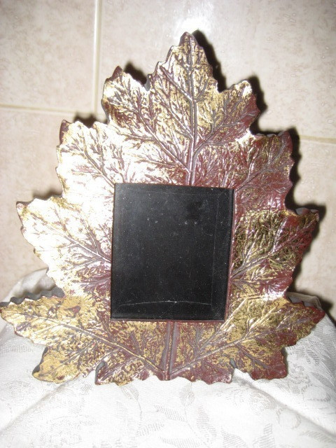 Vintage Gold Leaf Photo Frame - Mint