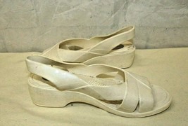 Womans OKABASHI Rubber Slingback Sandals White Size S 5-6   - $19.68