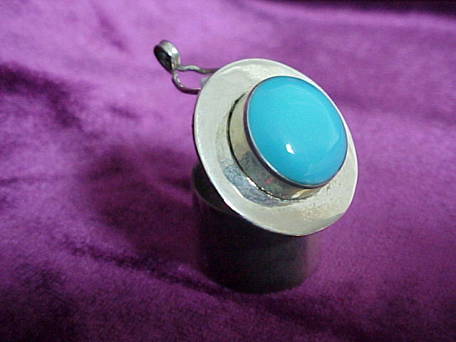 SILVER -TURQUOISE PILL- BOX Round