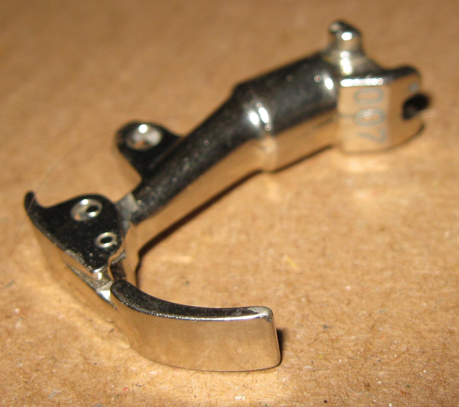 Bernina Old Style Zipper Sewing Foot No 007