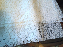 """Vintage White Daisy Lace Fabric 2 1/3 Yds x 53""""  From Germany 1970s. #5189  - $17.99"""