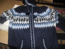 Blue hooded sweater made of pure cosy Alpacawool