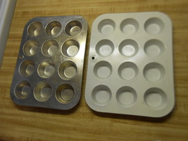 mirro cup cake pans mini cupcake pans or mini muffin pans lot of 2 one i... - $12.82