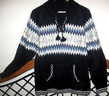 Hooded sweater, made of Alpacawool
