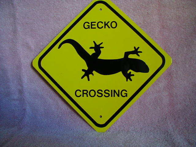 MINI MINIATURE CUTEZ GECKO SIGN  METAL 8""