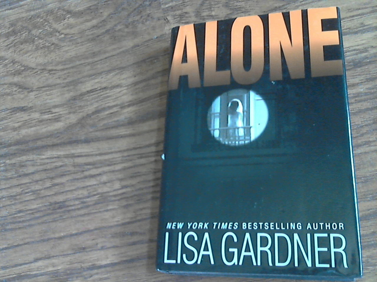 Primary image for Alone By Lisa Gardner (2005 Hardcover)