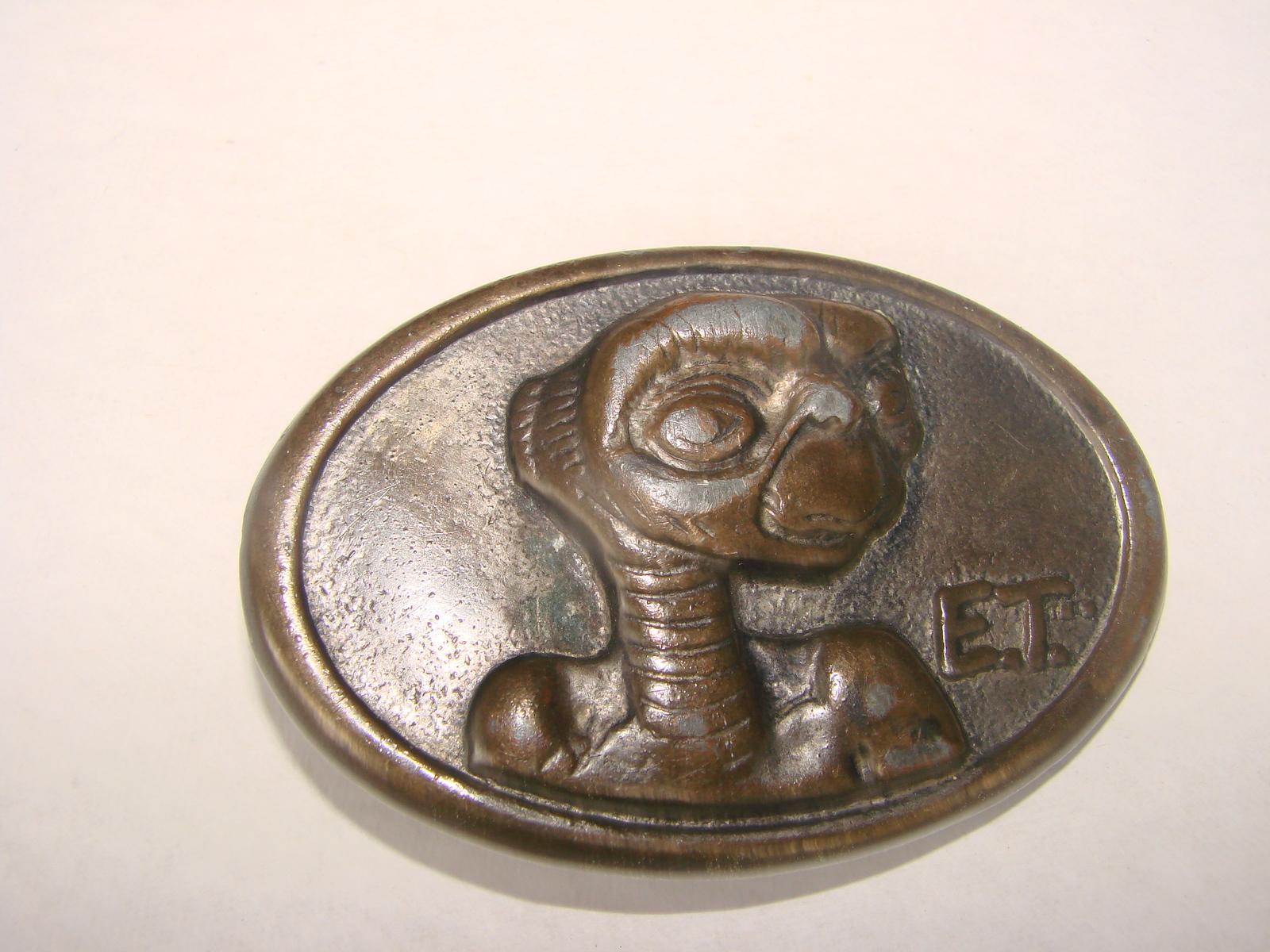 E.T. vintage belt buckle