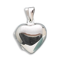 Small Polished Sterling Silver Heart Locket - €38,24 EUR