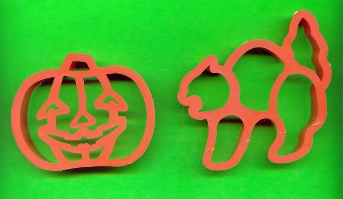 Halloween Pumpkin and Cat  Plastic Cookie Cutters .....Lot o