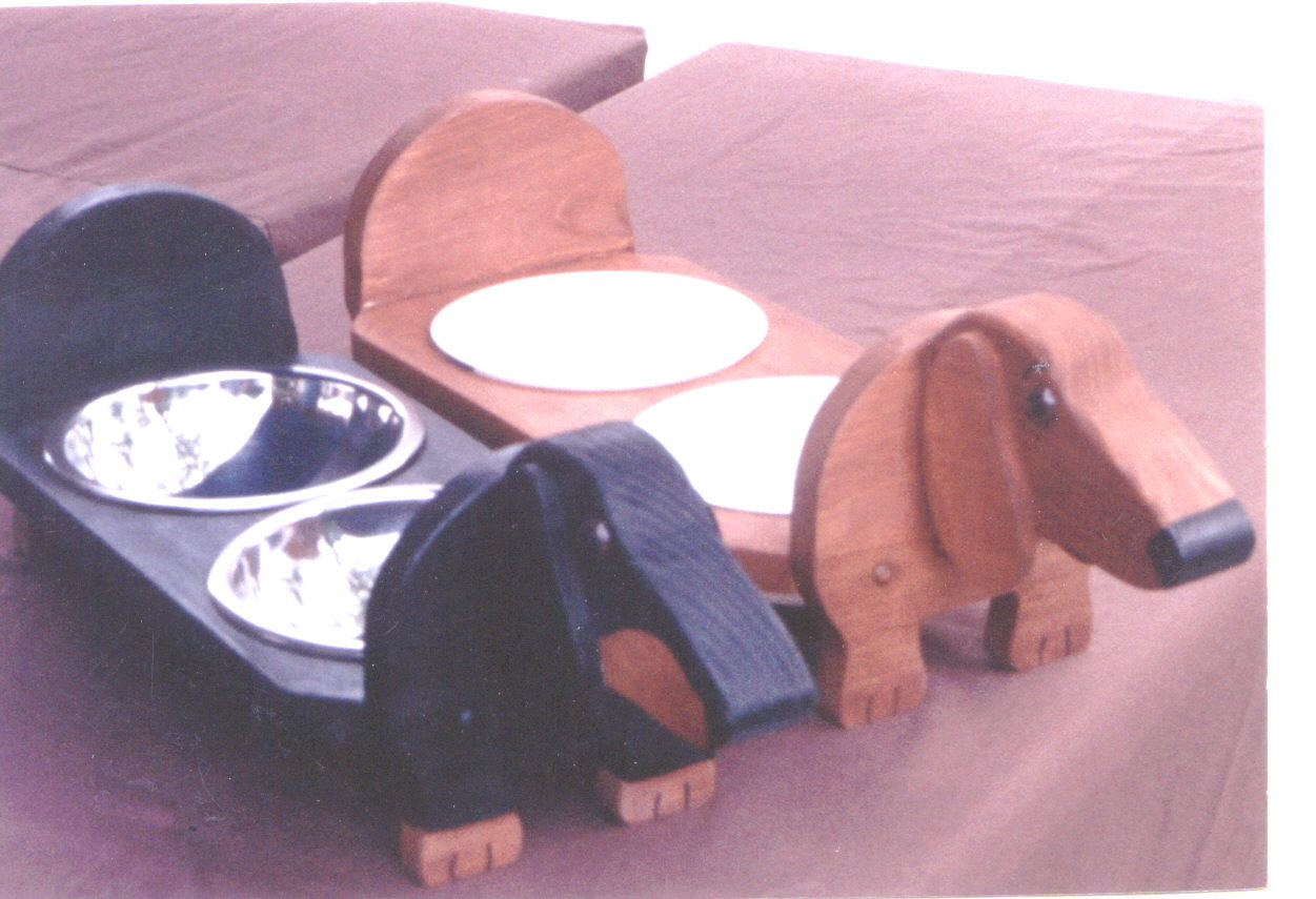 ELEVATED DACHSHUND DOG FEEDER HAND CRAFTED AND HAND PAINTED ,also other breeds