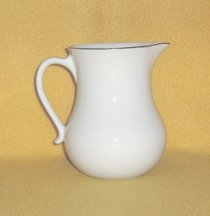 Calico Corner Collection Red Rose Creamer Small Pitcher R9005
